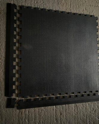 Amoebic gym mat